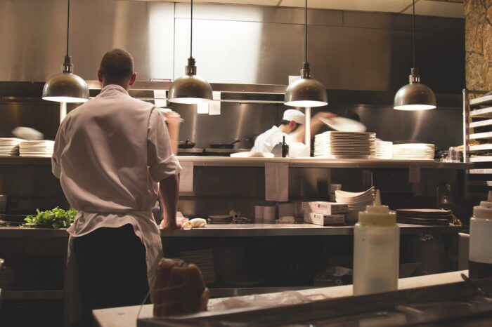 Top 10 Tips for Purchasing Restaurant Equipment